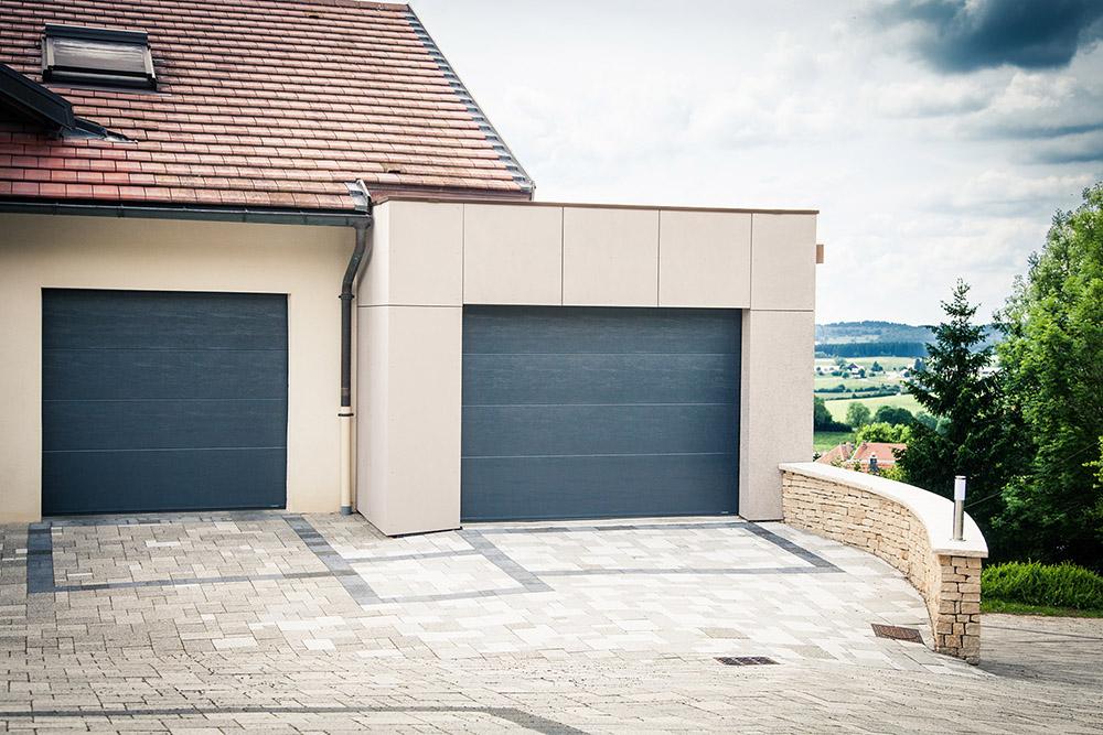 Porte de Garage Sectionnelles à panneaux moussés