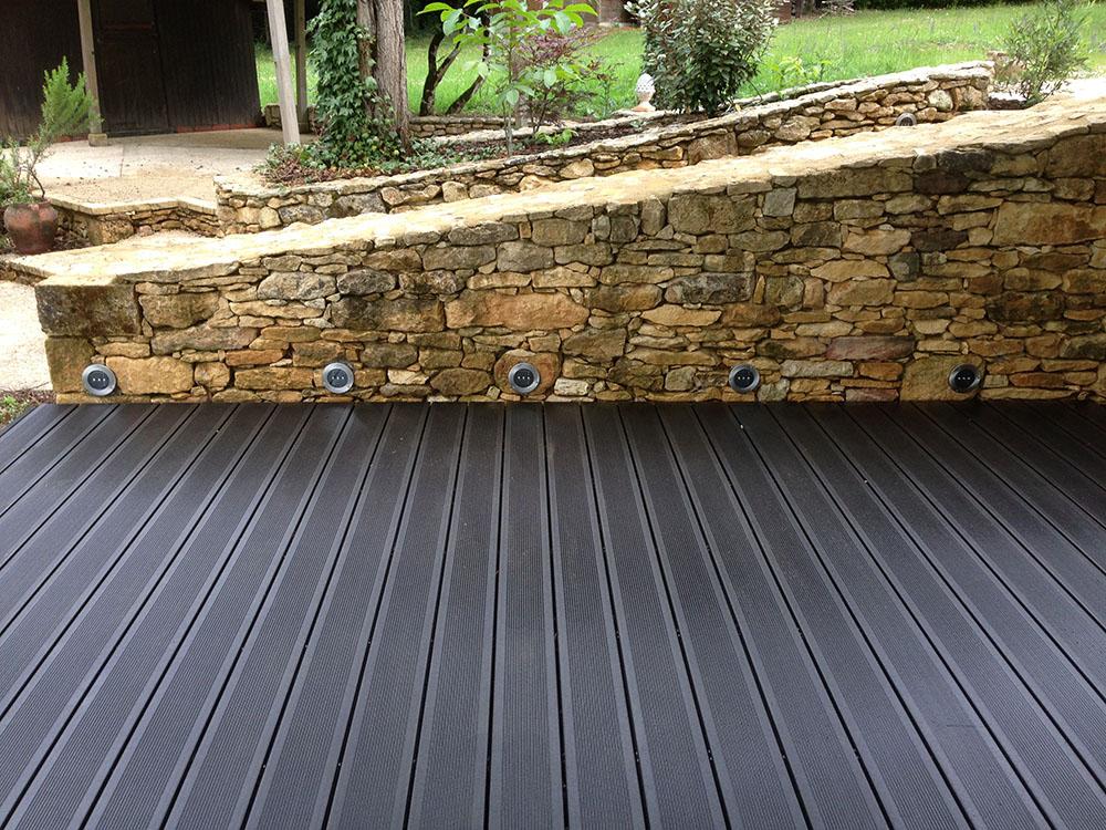 Lame de terrasse en bois - composite FOREXIA Elégance rainurée