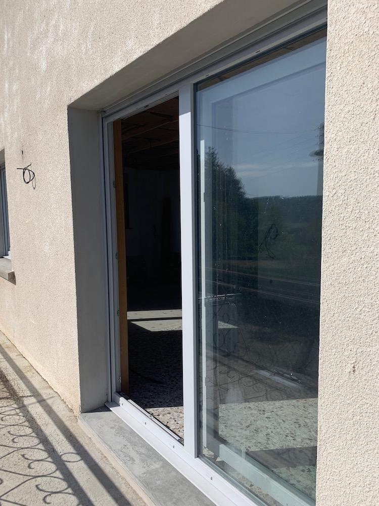 Porte fenêtre coulissante en PVC